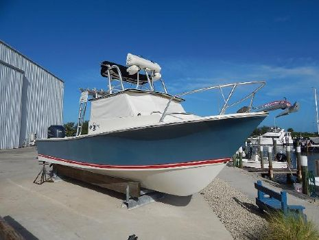 1989 C-hawk Boats 245 Pilot House