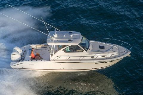 2016 Pursuit OS 355 Offshore Manufacturer Provided Image