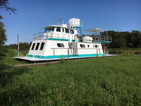 1996 Custom Houseboat