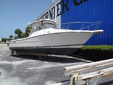 2004 Pursuit 3070 Express