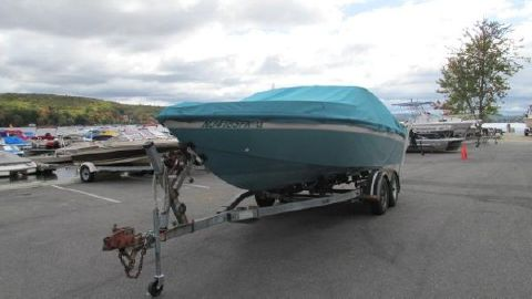 1988 CHRIS - CRAFT 225 Limited Closed Deck