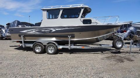 2016 Hewescraft 240 Pacific Cruiser