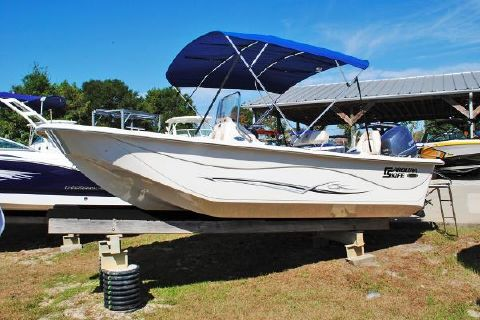 2016 Carolina Skiff 198 DLV