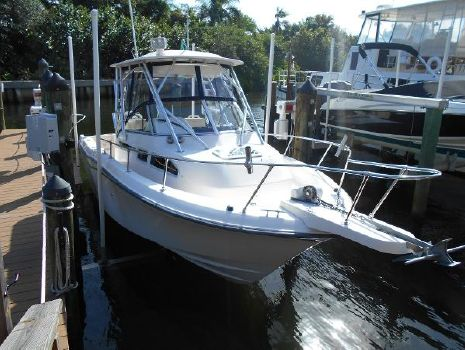 2004 Grady-White Yamaha Four Stroke 350 hrs Starboard Bow View