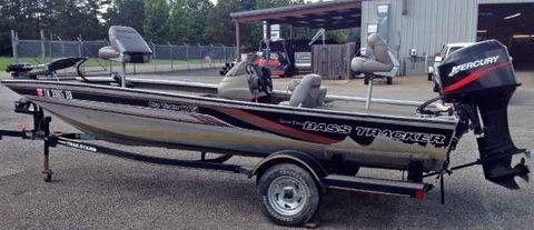 2000 Bass Tracker PT-175