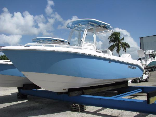 2017 Everglades Boats 230 Cc 2017 Everglades 230 CC