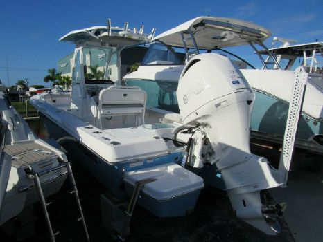 2020 EVERGLADES BOATS 243 CC