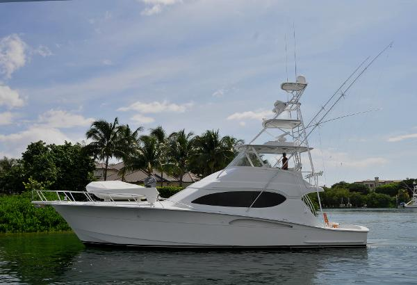 Used 2004 HATTERAS 54 Convertible, Lighthouse Point, Fl - 33064 - BoatTrader.com