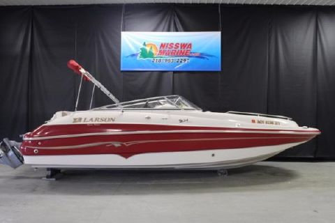 2001 Larson Escape 234 Deck Boat