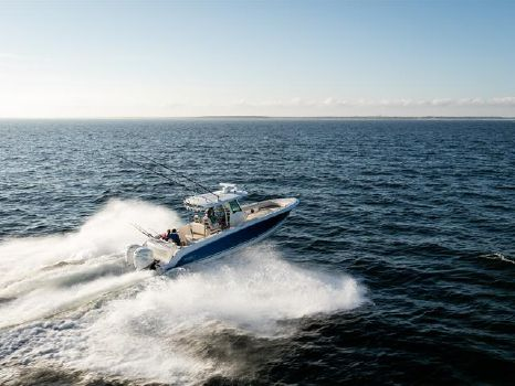 2016 Boston Whaler 330 Outrage
