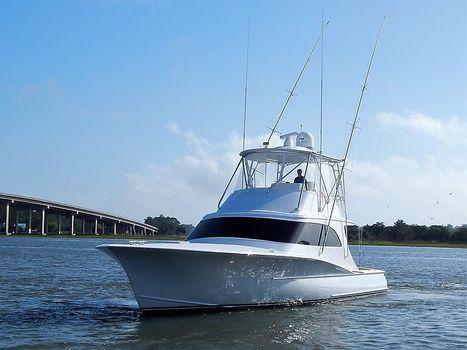 2006 Heritage Yacht Custom Carolina Sportfish Bow quarter.JPG