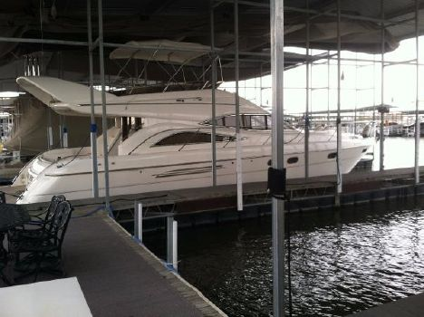 1998 Viking 52 Flybridge Sport Cruiser