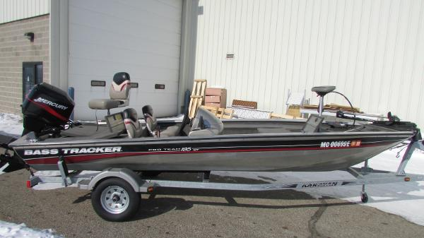 2001 Bass Tracker Pro Team 185XT