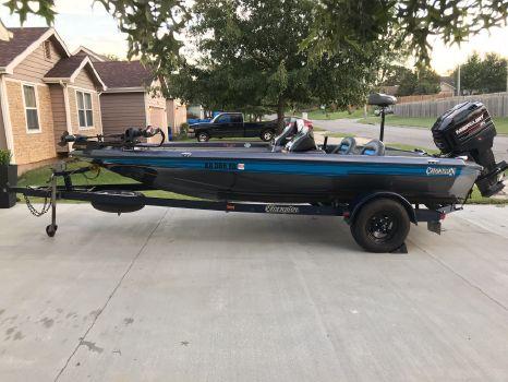 1995 Champion Boats 181 Dc