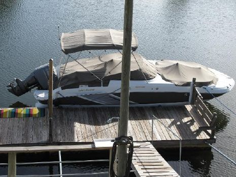 2016 Hurricane Sun Deck 2400