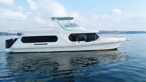 1996 Bluewater Yachts Coastal Cruiser