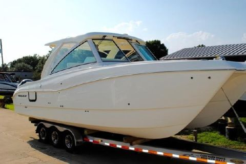 2017 World Cat 320 DC 2017-worldcat-320dc-dual-console-for-sale