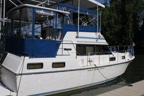 1985 Carver 3607 Aft Cabin Motoryacht