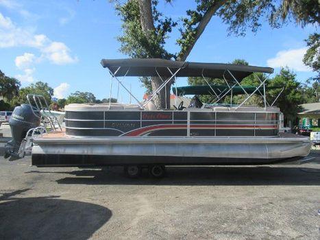 2013 Sylvan 8524 Mirage Cruise