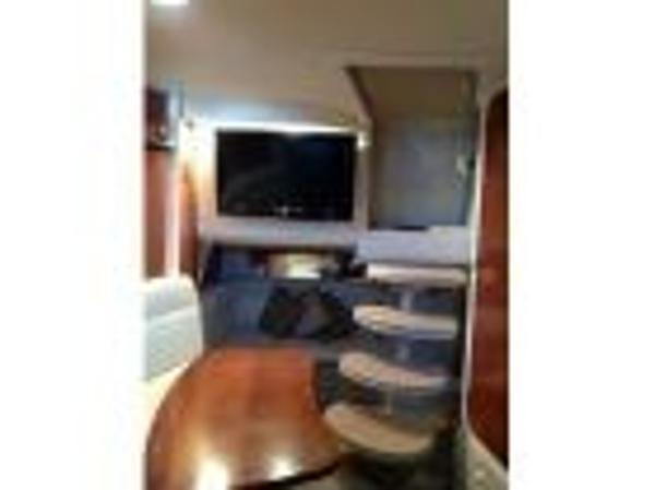 Check out this 2005 SEA RAY 320 Sundancer on Boattrader com