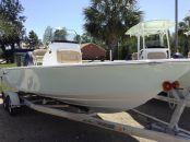 2016 Sportsman Masters 227 Bay Boat