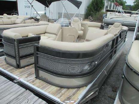 2016 Crest Pontoon Boats Classic 230