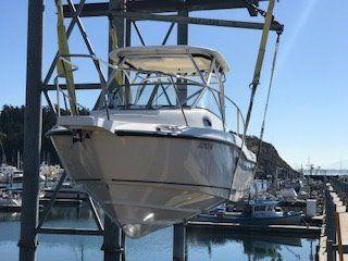 2011 Boston Whaler 235 Conquest