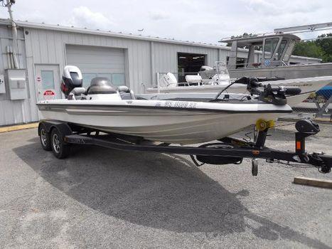 2001 Champion Boats 196 CX