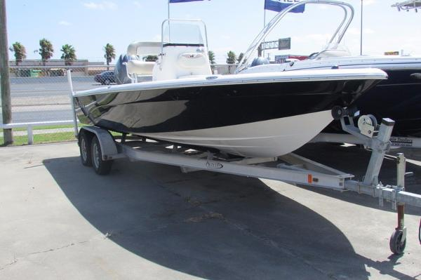 2015 Nautic Star 2200 Sport