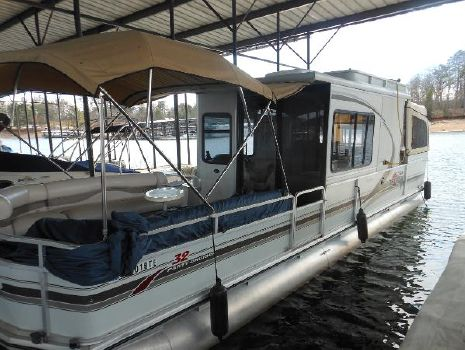 2001 Sun Tracker 32 Party Crusier
