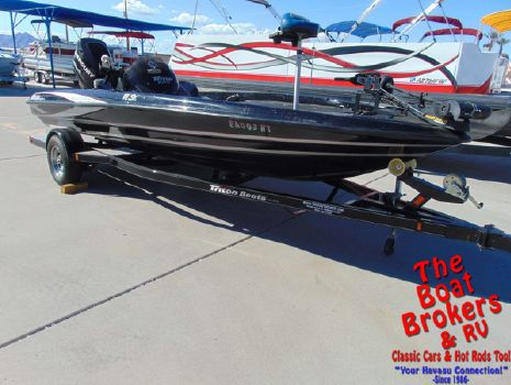 2013 TRITON 18 SE Fishing Boat