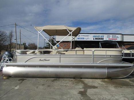 2017 SunChaser Classic Fish 8522 Cruise-N-Fish