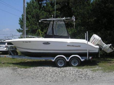2002 Wellcraft 210 Fisherman