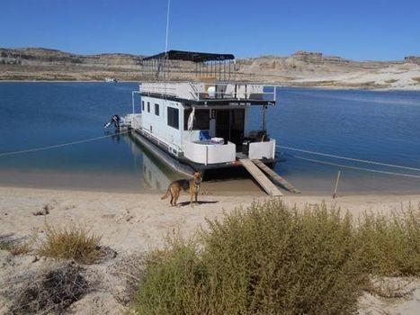 1973 Boatel Houseboat