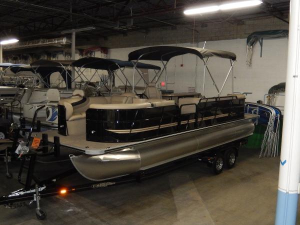 2014 ENCORE Bentley 250 Party Cruise