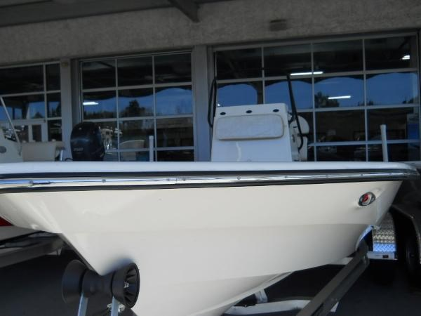 2014 Frontier Boats 2104