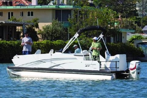 2018 Larson Escape RT Fish & Cruise RT 2400 Twin
