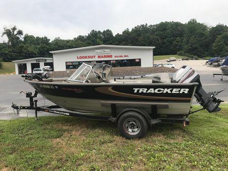 1999 Bass Tracker Targa 17