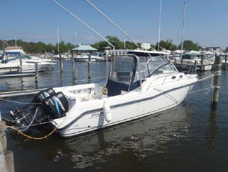 2004 Boston Whaler 305 Conquest