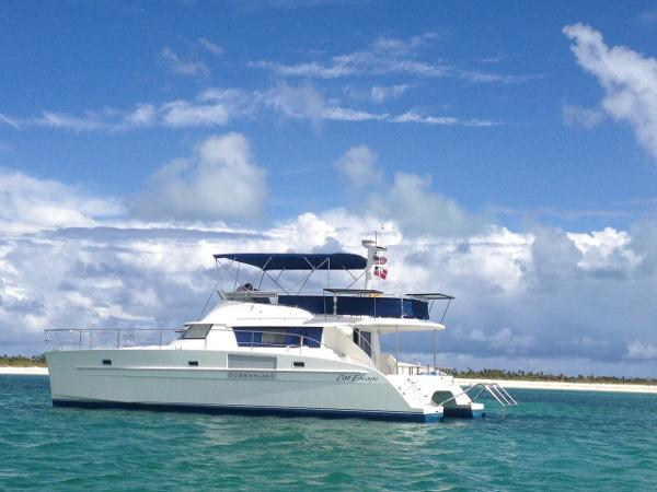 2005 Fountaine Pajot Cumberland 44 Port side