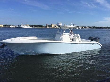 2015 Yellowfin 32 Port Profile