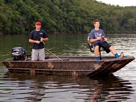 2015 LOWE BOATS Hunting Roughneck 1756 DLX Camo