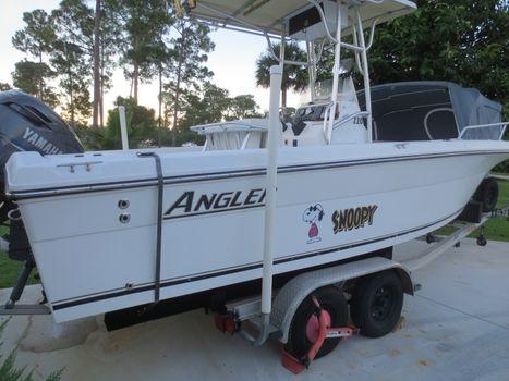 2004 Angler Boats 220f