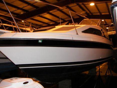 1985 Bayliner 2555 port side