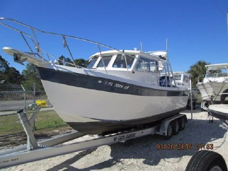 2000 Osprey Pilothouse 24 Fisherman