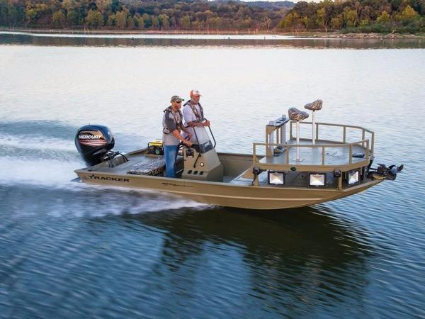 2017 Tracker GRIZZLY® 1860 MVX CC Sportsman
