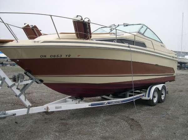 1986 Sea Ray SRV 268 Sundancer