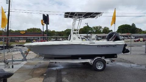 2018 CLEARWATER 1900 center console