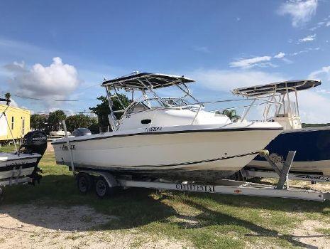 2005 Angler Boats 220 WA