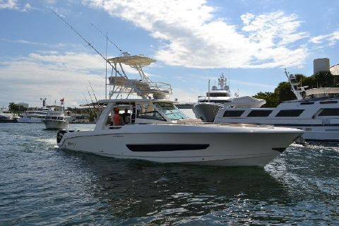 2017 Boston Whaler 420 Outrage